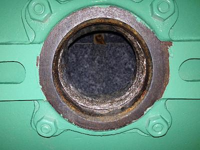 湿式ボールミル 投入口